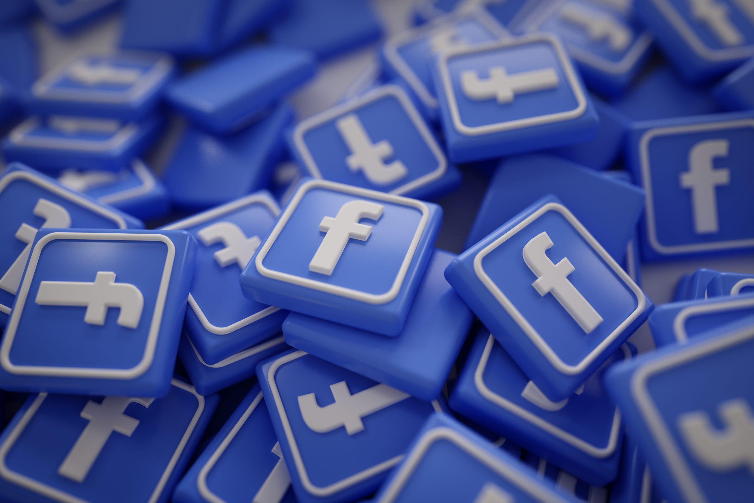 pile-3d-facebook-logos-scaled.jpg
